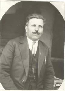 Георги Николов, учителствал през 1908-1909, 1911-1930 г. (Първият главен учител)