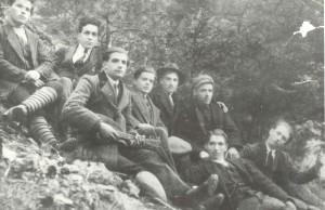 Учители и граждани от селото (1924 г.)