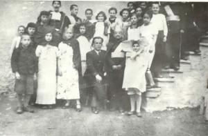 Ученическа театрална трупа с ръководител Димитър Маламов (1937 г.)